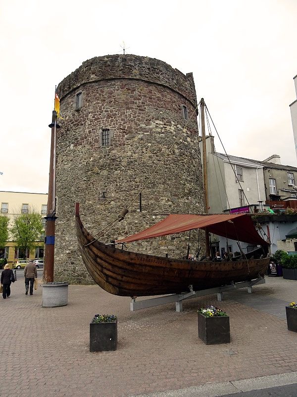 replica Viking Longship