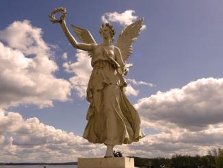 Christian Daniel Rauch Victories Statue