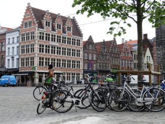 Gothic facades near Korenmarkt