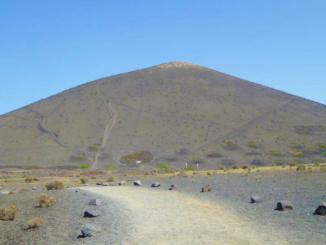 The trail of El Camino de la Caldera de Los Cuervos.