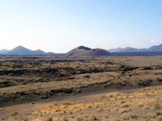 Plateau view of Crater de la Caldera de Los Cuervos.