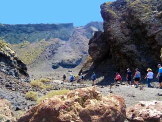 Enter Crater de la Caldera de Los Cuervos (Crater of the Cauldron of the Crows).