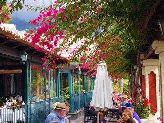 Outside eating area of Adega da Quinta.