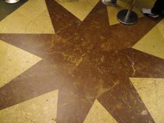 Symbolic star for the Hermit Pelayo who rediscovered the remains of Saint James.
