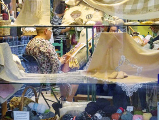 Knitting shop in Santiago.