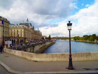 A beautiful view of the Seine River.