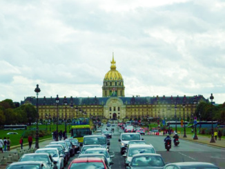 Les Invalides, built in 1670, is a series of buildings containing museums and monuments relating to the military history of France.