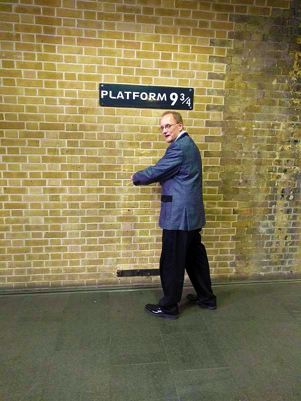 Platform 9-3/4 at Kings Cross Station