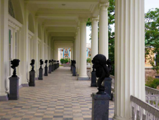 Copies of classical sculptures on the open terrace of the Cameron Gallery