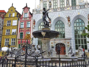 The famous Neptune Fountain in front of the entrance to the Artus Court.