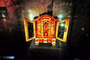 Amber jewelry box on display in the Malbork Museum.