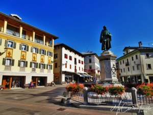 The town center with a bronze statue of the great painter Titian.